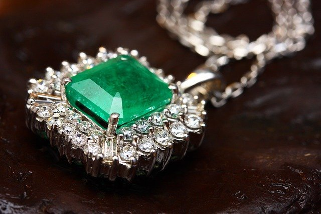 Mining Lawyer: Why are Colombian Emeralds a Good Investment?