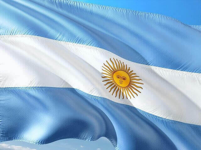 Tax Accountant: When Do I Have to Pay Taxes in Argentina as an Expat?