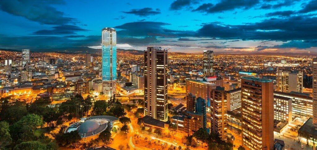 ¿Por qué subcontratar sus servicios corporativos empresariales en Colombia?