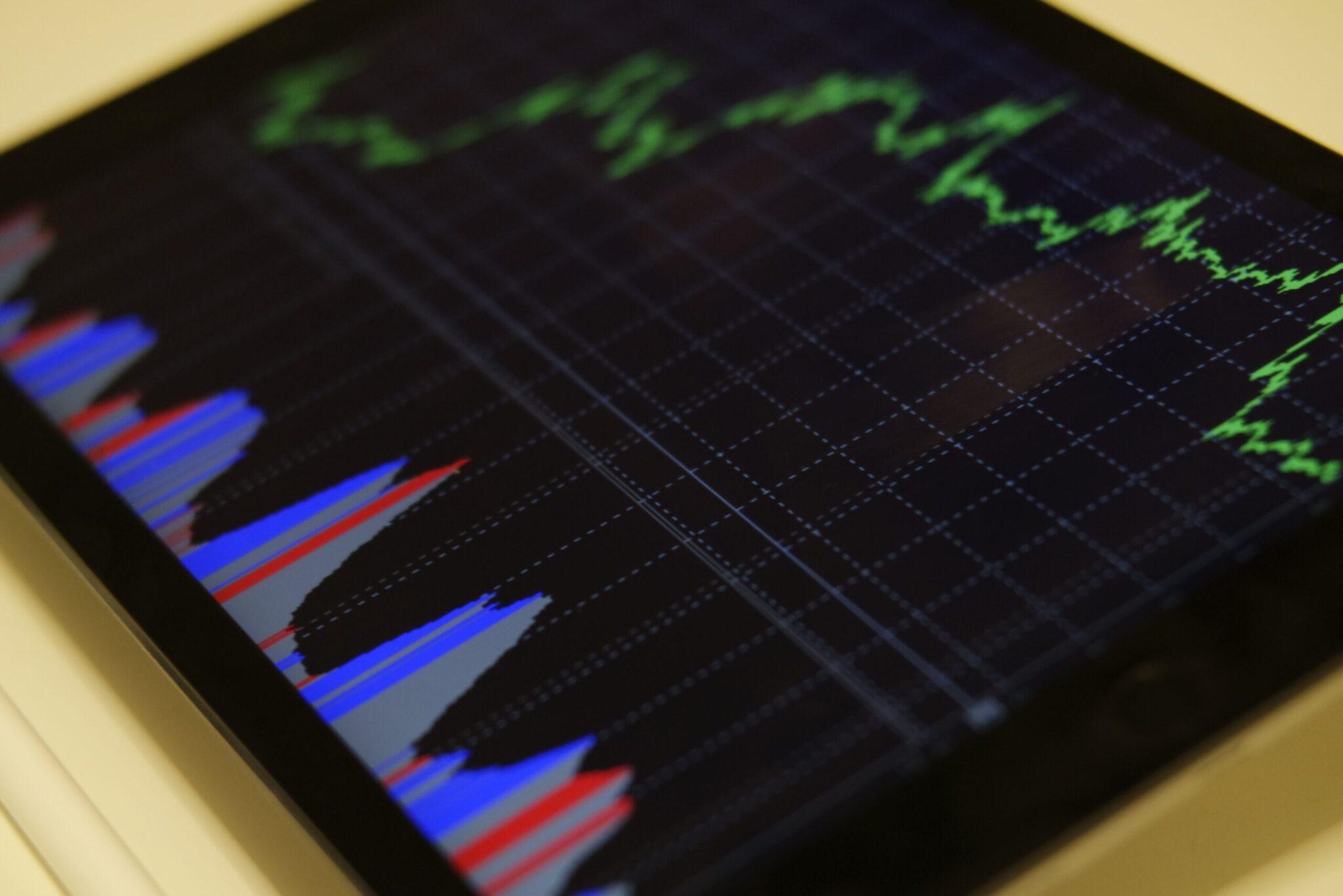 Tablet representando Fintech e empresas de tecnologia na América Latina